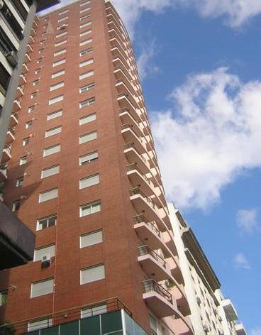 Foto Departamento en Venta |  en  Monserrat,  Centro (Capital Federal)  Bernardo de Yrigoyen 214