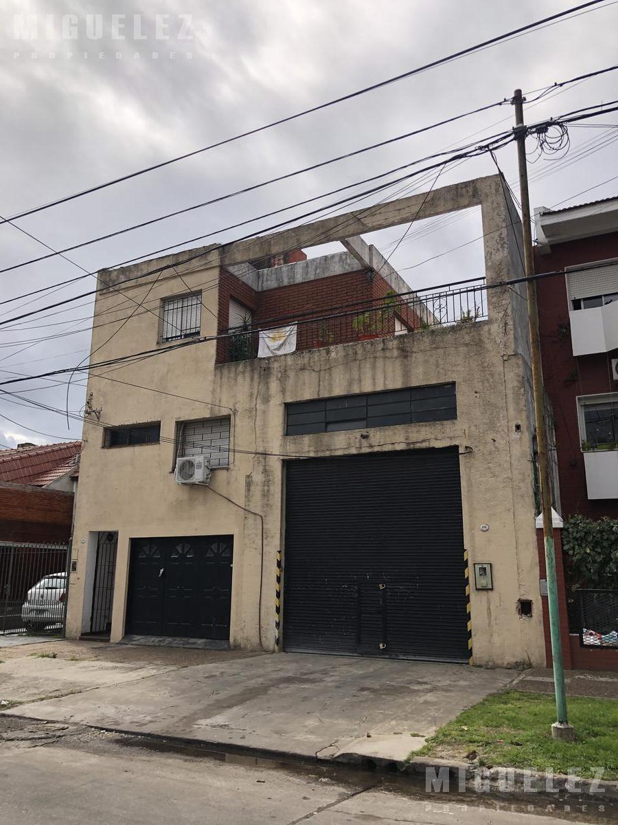 Foto Local en Venta en  Banfield,  Lomas De Zamora  galpon en venta banfield, GODOY CRUZ 1031