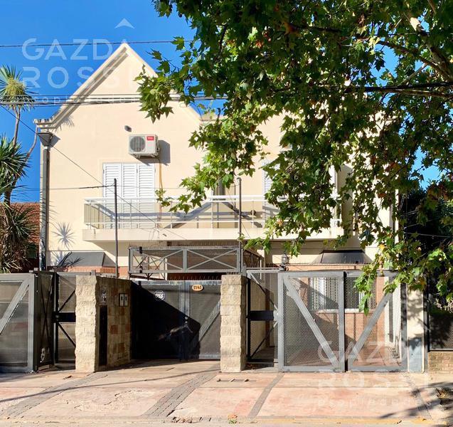 Foto Casa en Venta en  Adrogue,  Almirante Brown  Castelli al 1100