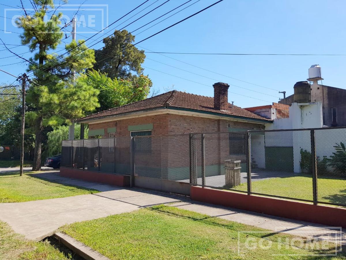 Foto Casa en Venta en  Villa Gobernador Udaondo,  Ituzaingo  Francisco Moreno al 800