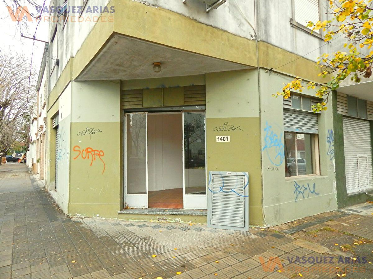 Foto Local en Alquiler en  La Plata ,  G.B.A. Zona Sur  19 esq 61