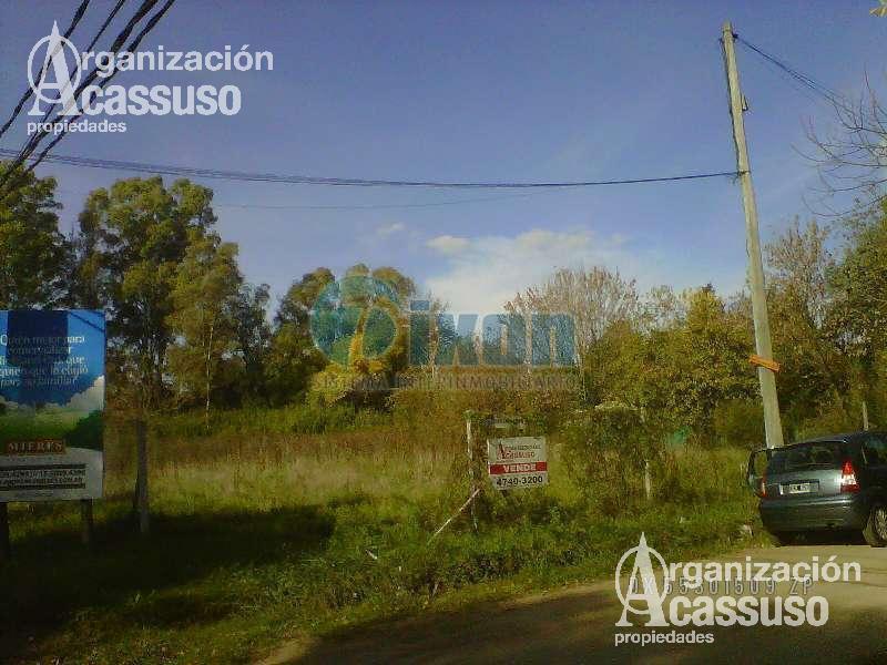 Foto Terreno en Venta en  Pilar,  Pilar  LAS CAMPANILLAS esquina CLAVELES
