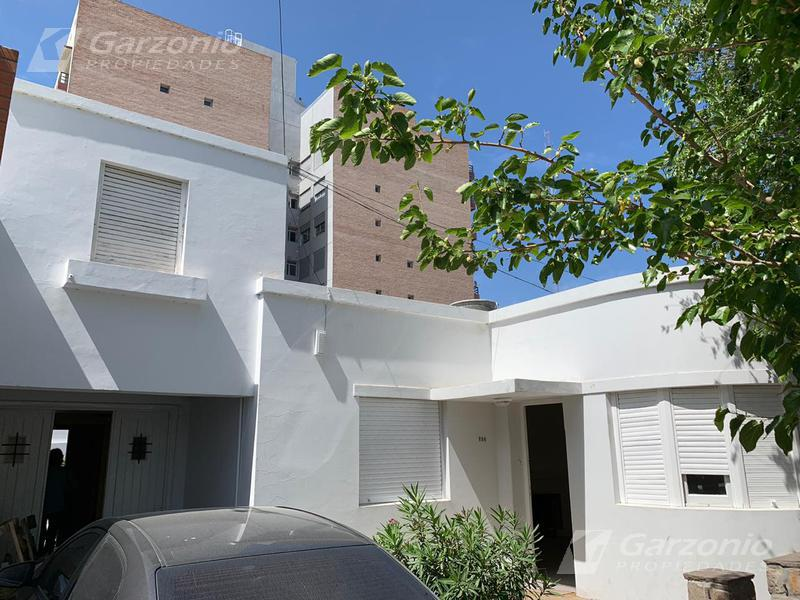 Foto Casa en Alquiler en  Trelew ,  Chubut  Casa céntrica