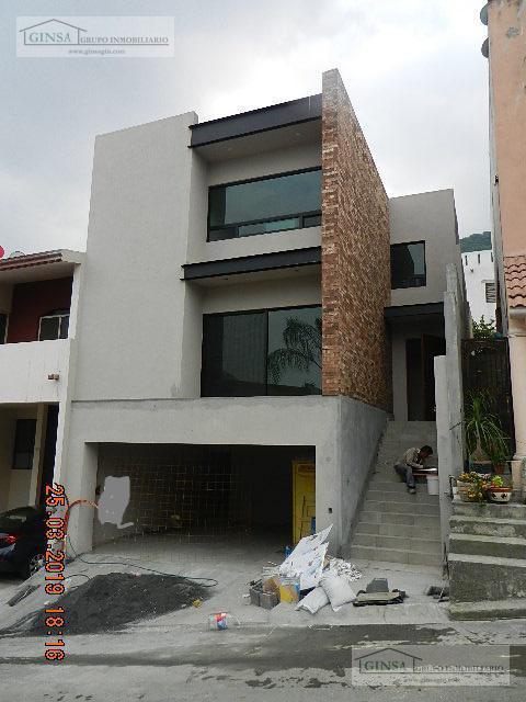 Foto Casa en Venta |  en  Satélite 6 Sector Acueducto 2 Etapa,  Monterrey  GN-2054