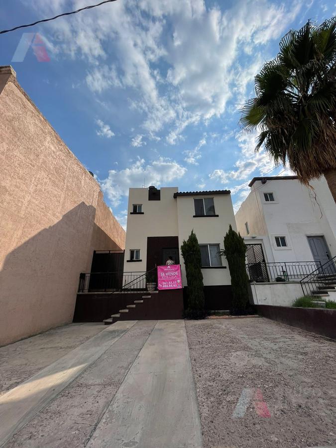 Foto Casa en Venta en  Fraccionamiento Cumbres Universidad,  Chihuahua  Cumbres Universidad