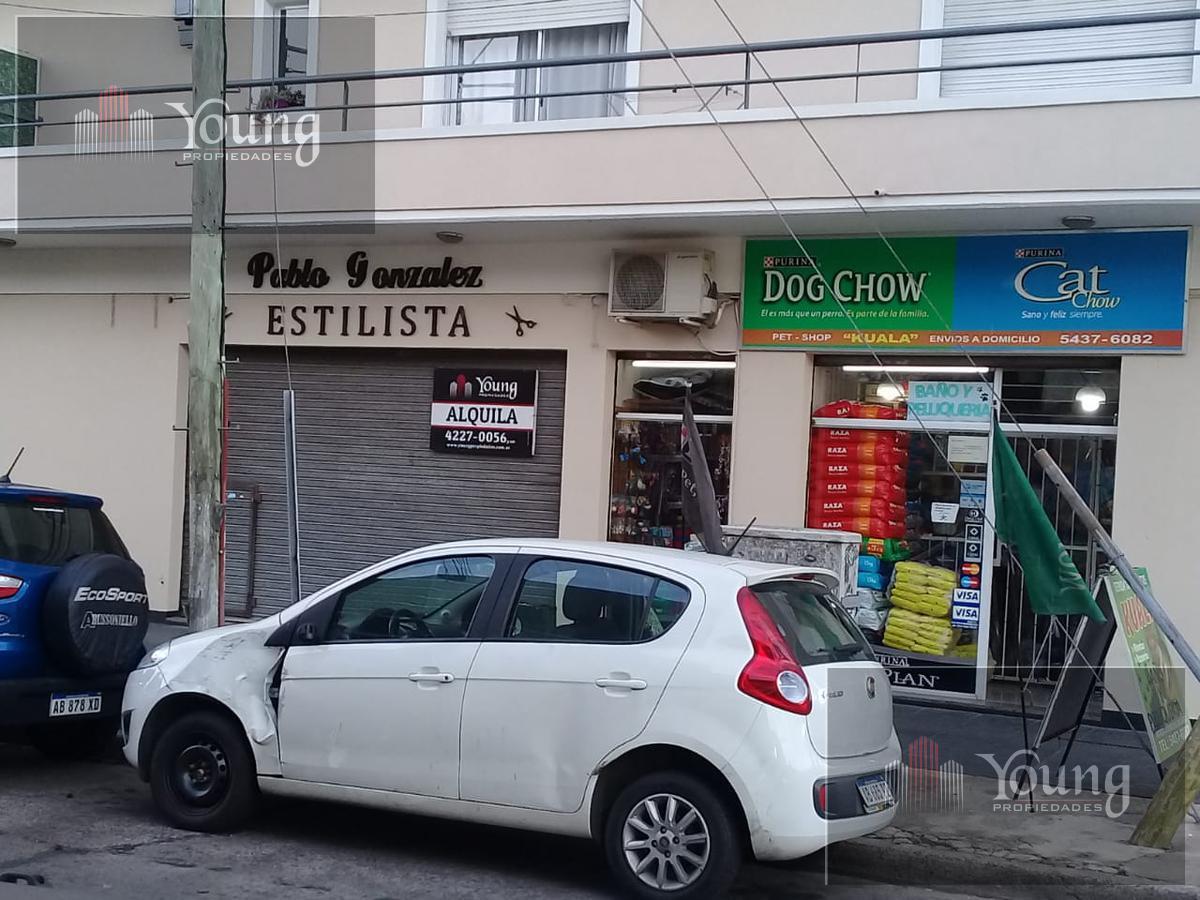 Foto Local en Alquiler en  Villa Dominico,  Avellaneda  PIERRES 23