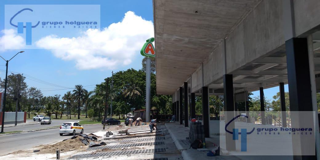 Foto Edificio Comercial en Renta en  Las Américas,  Ciudad Madero  NUEVA PLAZA COMERCIAL EN BOULEVARD ADOLFO LOPEZ MATEOS ESQUINA CON AVENIDA UNIVERSIDAD