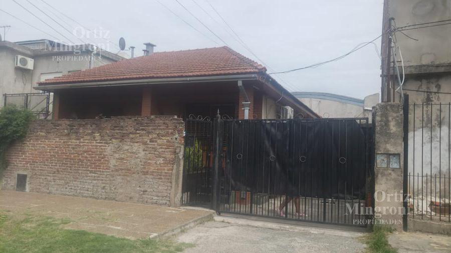 Foto Casa en Venta en  Lomas De Zamora,  Lomas De Zamora  Bilac al 2500