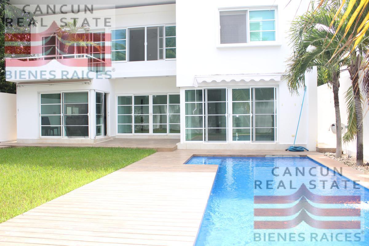 Foto Casa en Venta en  Residencial Cumbres,  Cancún  Casa en Cumbre Residencial Cancun