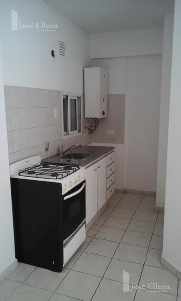 Foto Departamento en Alquiler en  Macrocentro,  Rosario  Dorrego al 900
