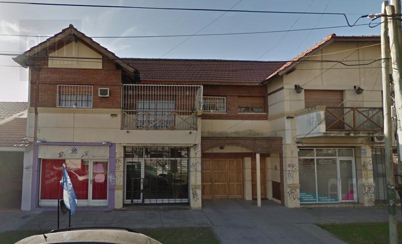Foto Local en Venta en  Lomas De Zamora ,  G.B.A. Zona Sur  Rivera 813 esquina Alvear