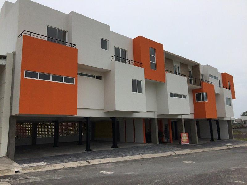 Foto Departamento en Venta en  Residencial Lomas Residencial,  Alvarado  Exclusivos Town Houses Estilo Americano en la Riviera Veracruzana