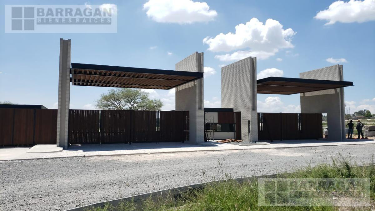 Foto Terreno en Venta en  Lomas del Campanario,  Querétaro  Terreno en Venta Lomas del Campanario Norte, Condominio Santa Inés