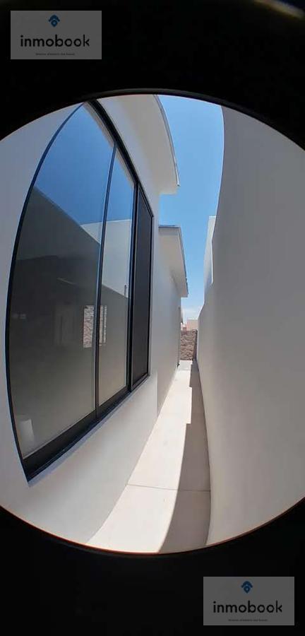 Foto Casa en Venta en  Fraccionamiento Las Canteras,  Chihuahua  CASA EN VENTA DE UNA PLANTA CANTERAS, AV. TOMAS VALLES