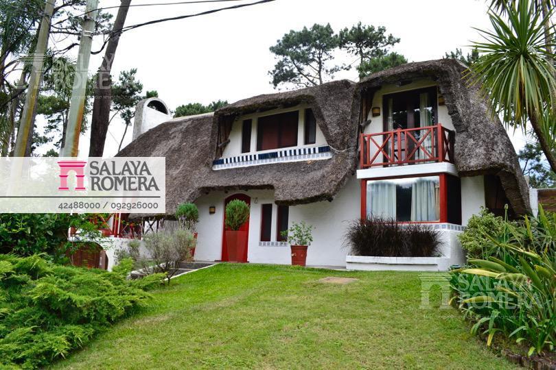 Foto Casa en Alquiler temporario en  Pinares,  Punta del Este  Venta y Alquiler por Temporada  - Casa, Pinares Parada 35, 4 dormitorios