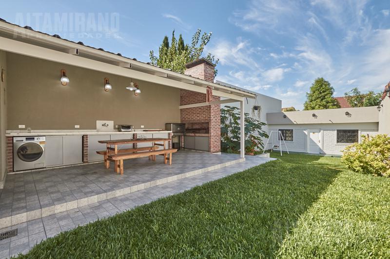 Foto Casa en Venta en  Villa Ballester,  General San Martin  Buenos Aires al 5700 e/Ituzaingo y Prof Simon