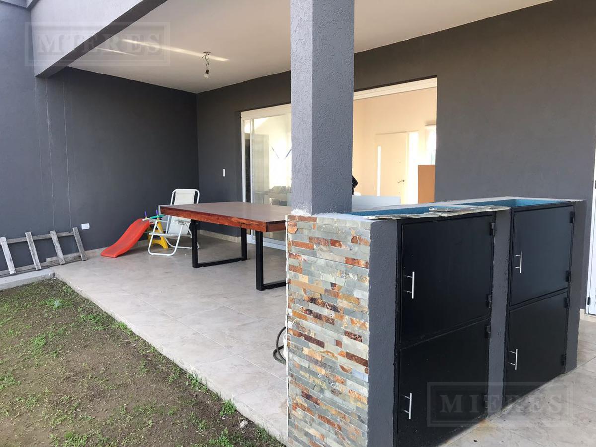PRECIOSA CASA UBICADA EN EL BARRIO PRIVADO SAN RAFAEL – EXCELENTE ORIENTACION: NORTE!