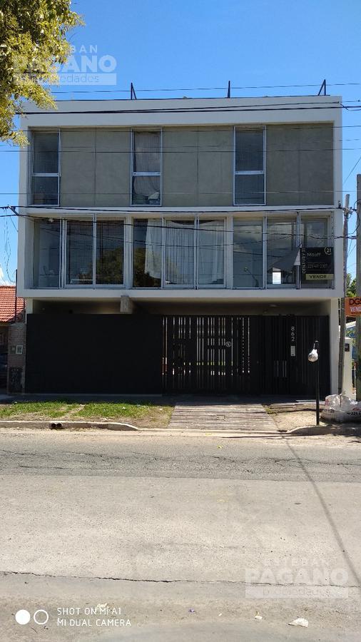 Foto PH en Venta en  Tolosa,  La Plata  4 e/ 523 y 524 N°862
