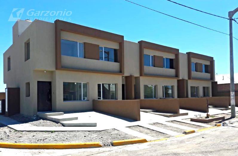 Foto PH en Alquiler en  Trelew ,  Chubut  Tierra del Fuego e/ Irizar Y P. Moreno