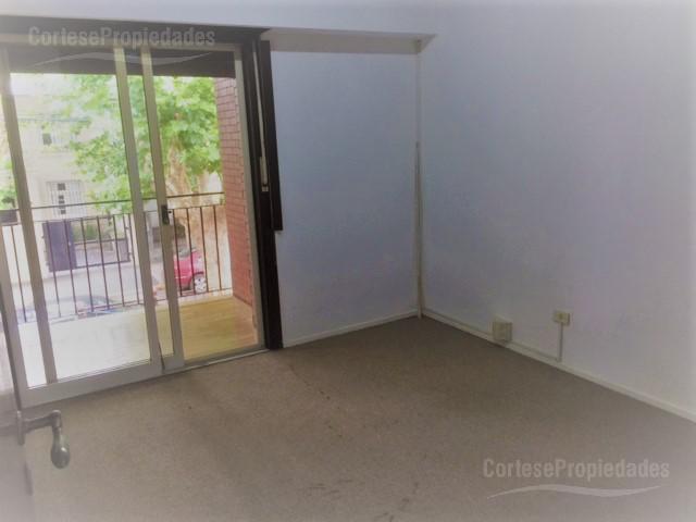 Foto PH en Alquiler en  San Isidro ,  G.B.A. Zona Norte  Estanislao Diaz al 100
