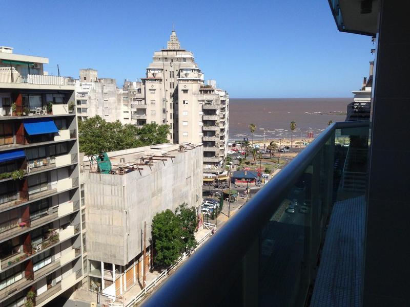 Foto Apartamento en Alquiler en  Pocitos ,  Montevideo  Avenida Brasil y Chucarro