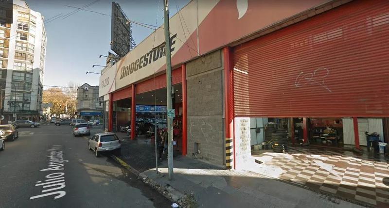 Foto Local en Alquiler en  Barrio Vicente López,  Vicente López  Av. Libertador 1200
