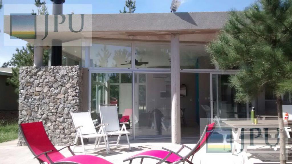 Foto Casa en Alquiler temporario en  Costa Esmeralda,  Punta Medanos          Residencial I 572