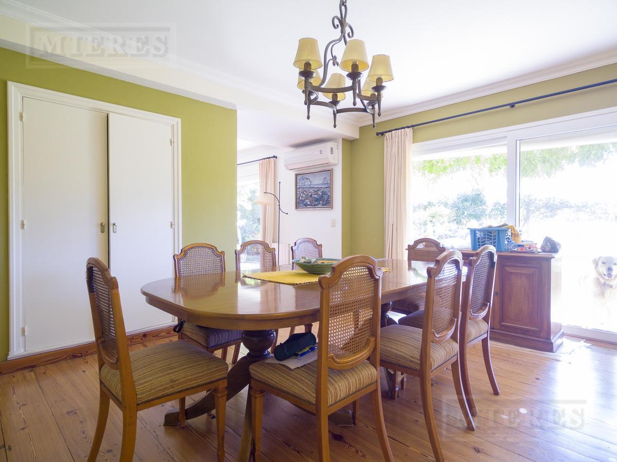 Casa en venta en barrio cerrado Rincón Del Arca, excelente entorno.
