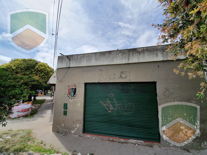 Foto Local en Venta en  Tiro Suizo,  Rosario  Benito Juarez al 1500