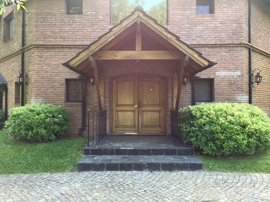 Casa de 414 mts en Mayling Club de Campo