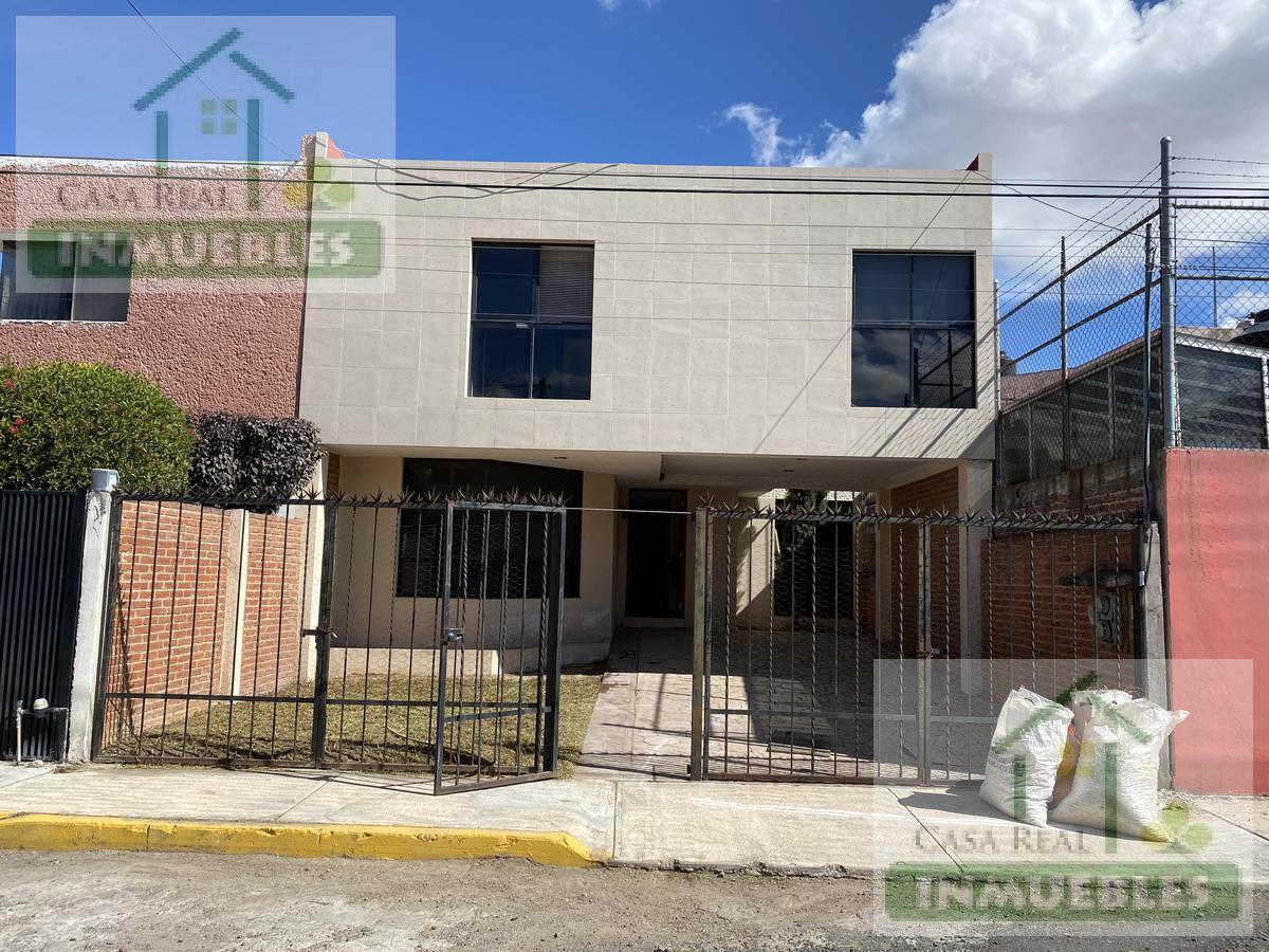 Foto Casa en Venta en  Fraccionamiento Villas del Álamo,  Mineral de la Reforma  Casa en Venta en Villas del Alamo