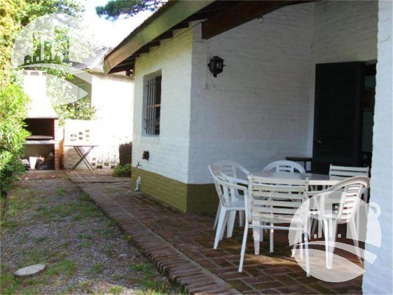 Foto Casa en Venta en  Carilo,  Pinamar  CONFIDENCIAL