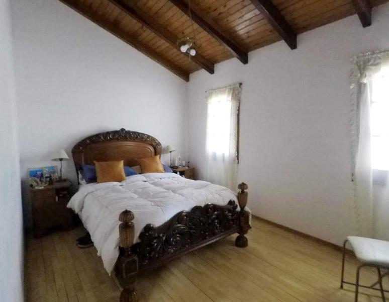 Foto Casa en Venta en  Cordoba Capital ,  Cordoba  Armada Argentina 600