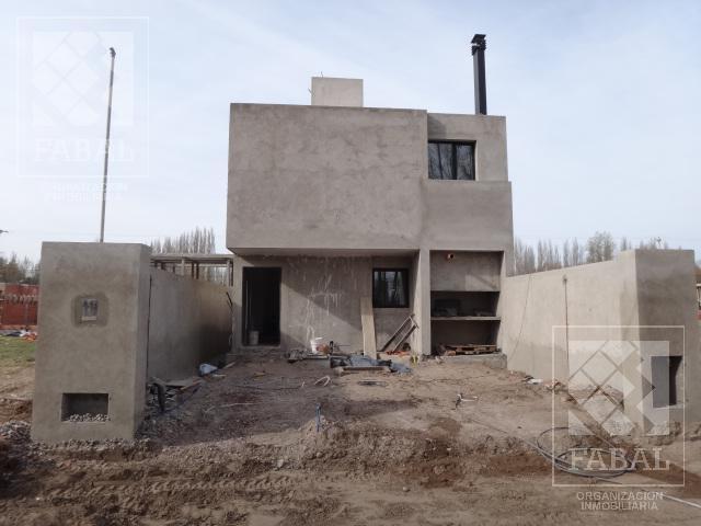Foto Casa en Alquiler en  Valentina Sur Rural,  Capital  Sgto. Bejarano 2400 - Ayres del Limay