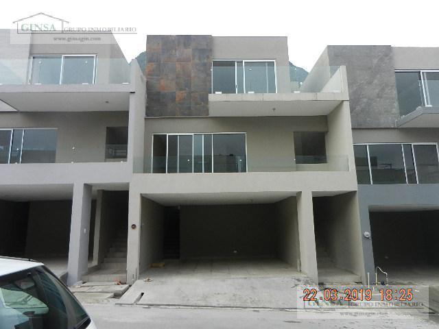 Foto Casa en Venta |  en  Paseo del Vergel,  Monterrey  GN-2049