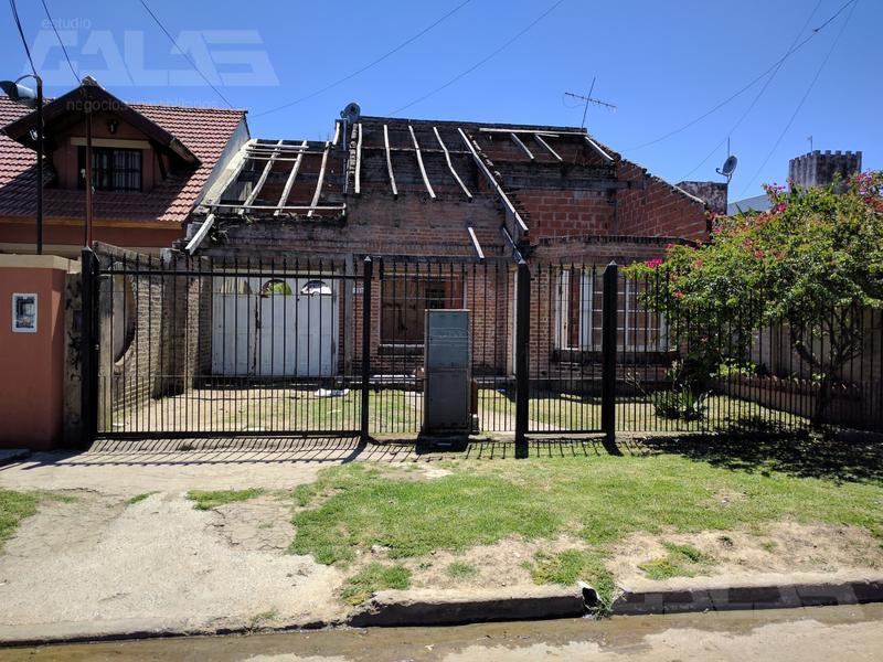Foto Casa en Venta en  Ituzaingó ,  G.B.A. Zona Oeste  Pintos al 300