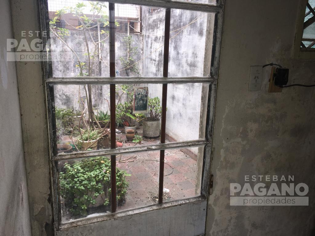 Foto PH en Venta en  La Plata ,  G.B.A. Zona Sur  70 e 18 y 19 N° 1171 1/2