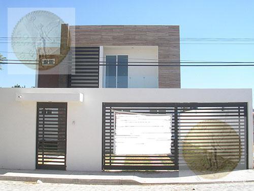 Foto Casa en Venta |  en  Adolfo Lopez Mateos,  Tequisquiapan  Excelente casa en zona tranquila
