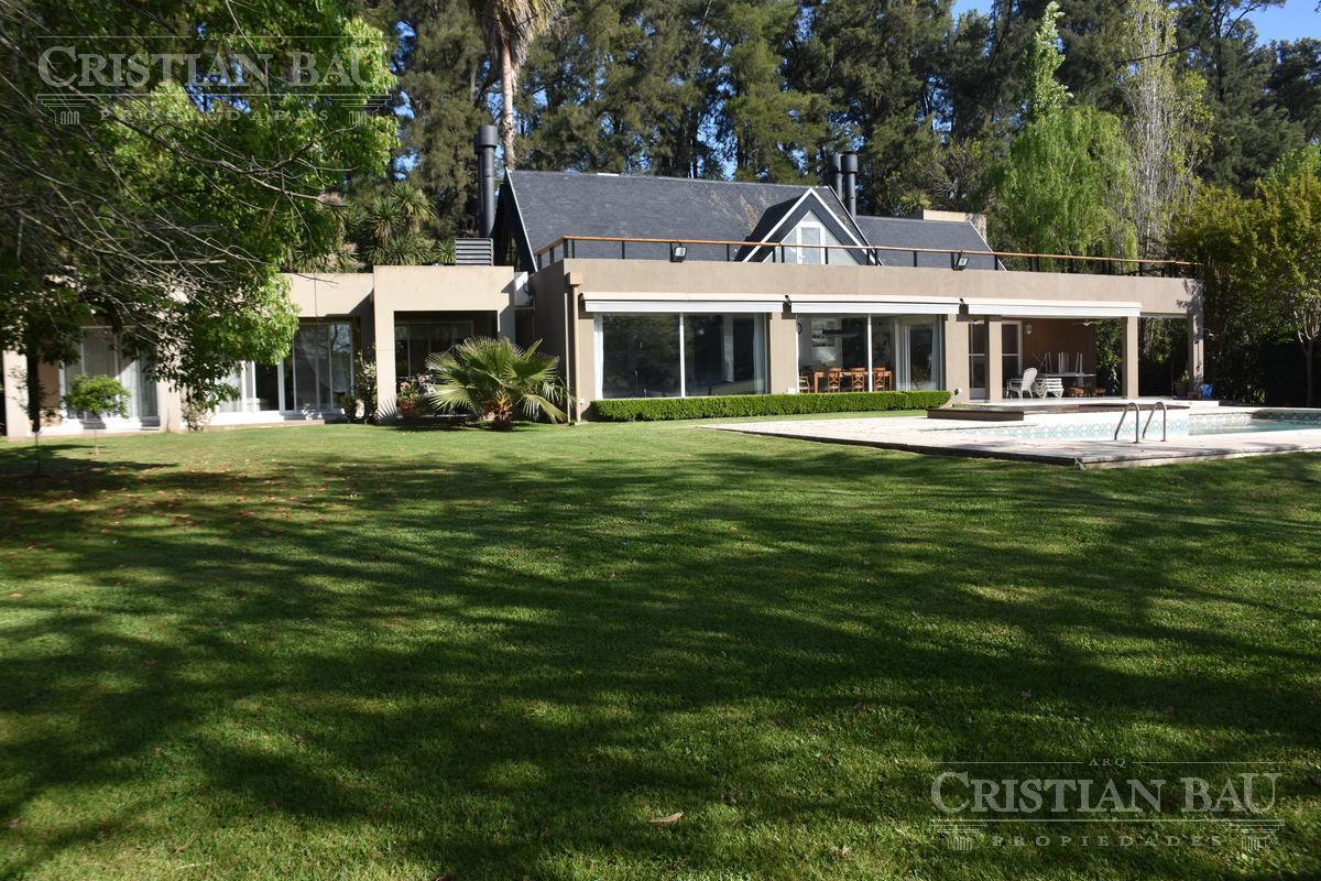 Foto Casa en Venta en  San Diego C.C,  Countries/B.Cerrado (Moreno)  Destacada Propiedad Racionalista Sobre Polo