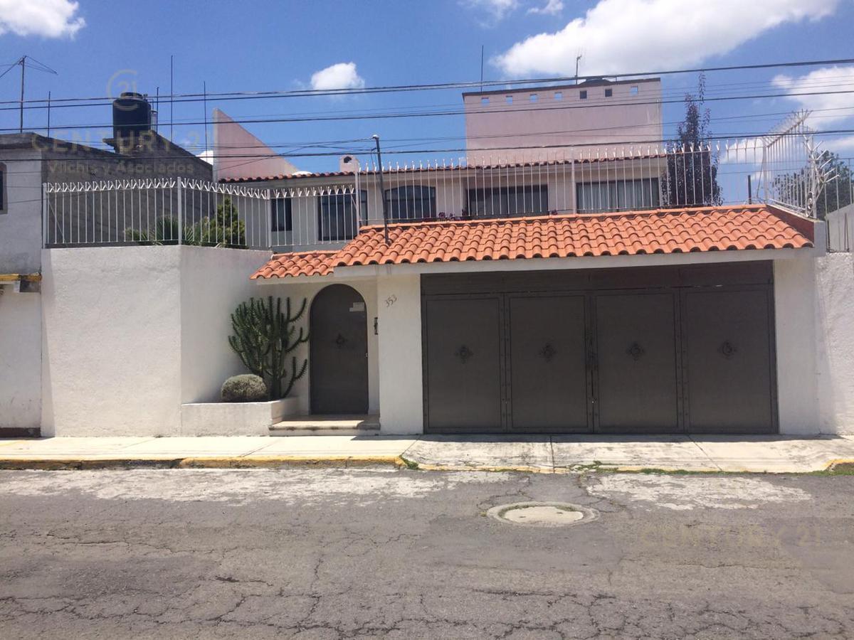 Foto Casa en Venta en  Juan Fernández AlbarrAn,  Metepec  Magnifica Residencia en Col. Juan Fernandez Albarrán, Calle Tres Sur