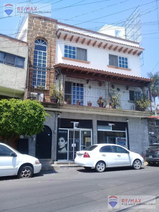 Foto Casa en Venta en  Lomas de Miraval,  Cuernavaca  Venta de casa con local comercial, Lomas del Miraval, Cuernavaca…Clave 3540
