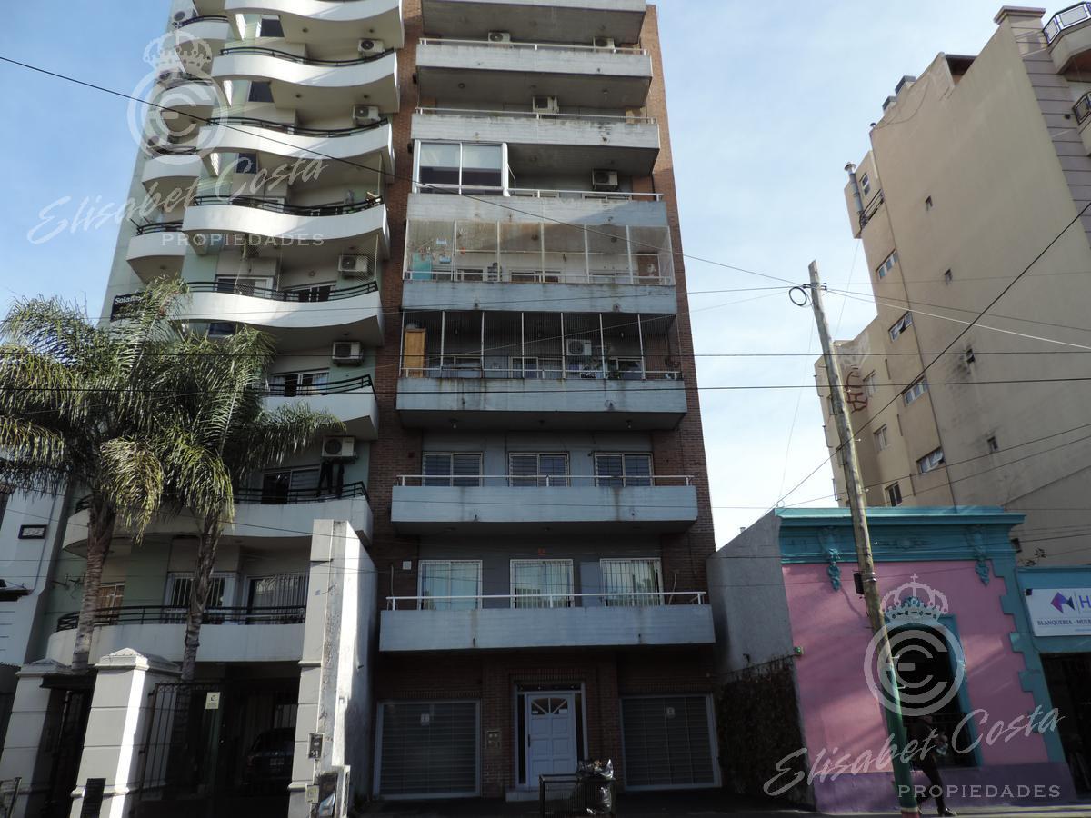 Foto Departamento en Venta en  Lanús Este,  Lanús  Sitio  de Montevideo al 1100