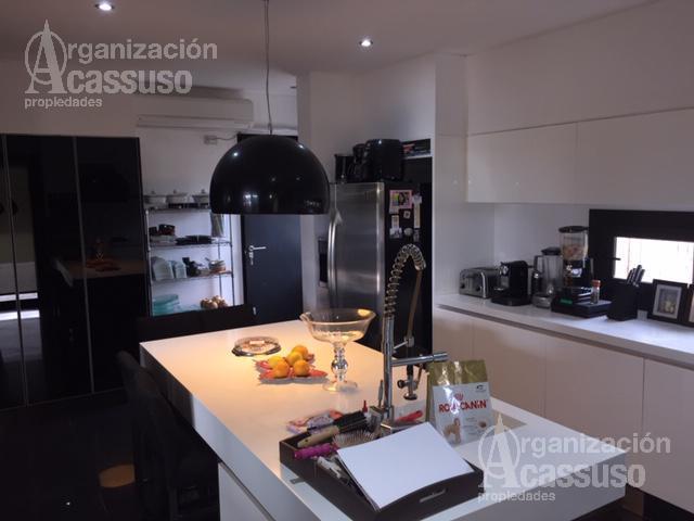 Foto Casa en Venta | Alquiler en  Septiembre,  Countries/B.Cerrado (Escobar)  Barrio Septiembre -