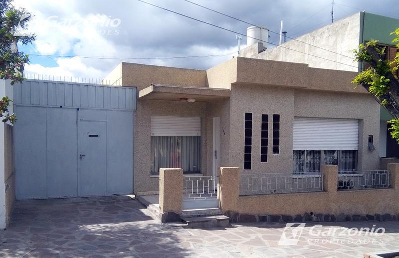 Foto Casa en Venta en  Trelew ,  Chubut  Marconi al 100