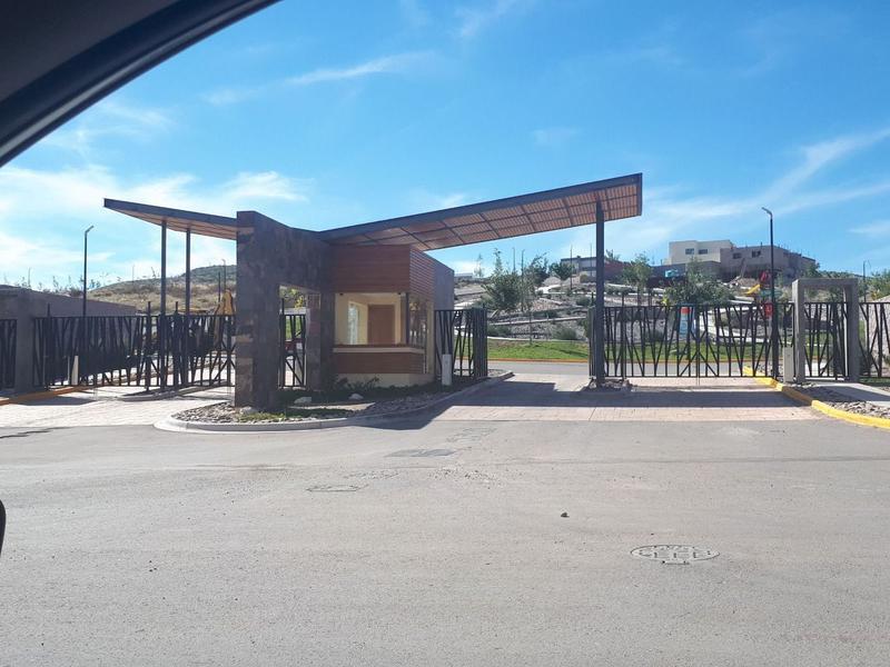 Foto Terreno en Venta en  Fraccionamiento Bosques del Valle,  Chihuahua  Terreno Venta Fracc. Misiones del Valle $1,500,000 Migara ECG1