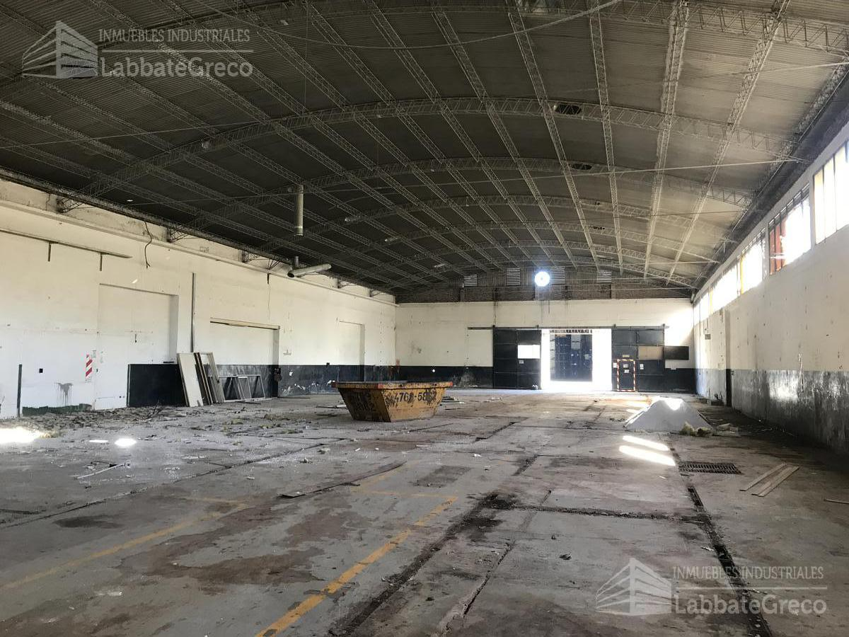 Foto Nave Industrial en Alquiler en  Jose Leon Suarez,  General San Martin  Av. Brig. Gral. Juan Manuel de Rosas al 2900
