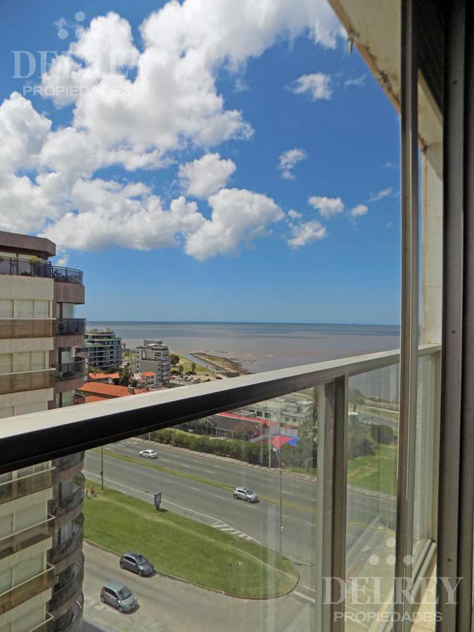 Foto Departamento en Alquiler en  Pocitos Nuevo ,  Montevideo  Rambla y Pereira de la luz Aprox