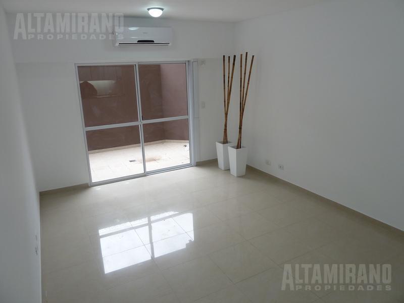 Foto Departamento en Alquiler en  Villa Ballester,  General San Martin  Republica al 5000