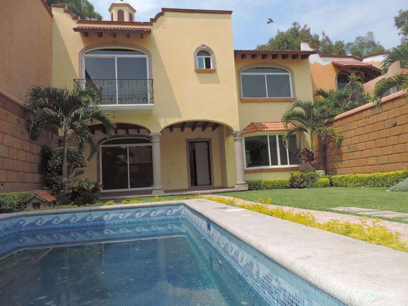 Foto Casa en Venta en  Fraccionamiento Lomas de Cuernavaca,  Temixco  Venta de Casa Sola con Alberca en Lomas de Cuernavaca …clave 2089
