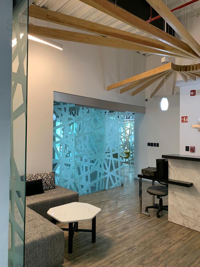 Foto Oficina en Renta en  Santa Fe Cuajimalpa,  Cuajimalpa de Morelos  SKG Asesores Inmobiliarios renta oficina en Edificio Porsche, Santa Fe
